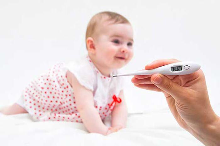 طرز اندازه گیری تب کودک
