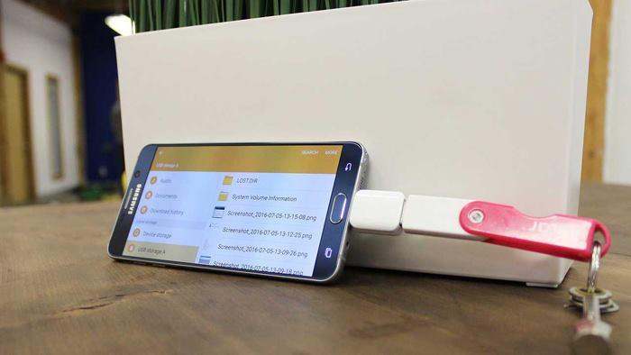 آموزش اتصال گوشی تلفن همراه به  فلش مموری