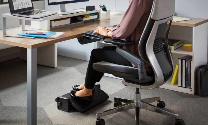 بهترین حالت های نشستن پشت میز کامپیوتر
