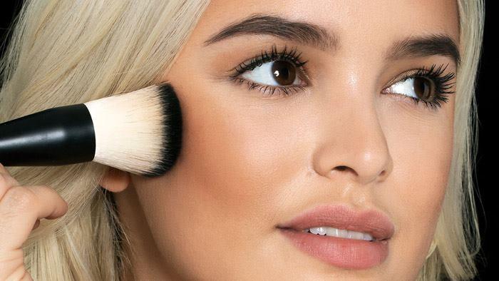 آرایش صورت با برنزه کردن