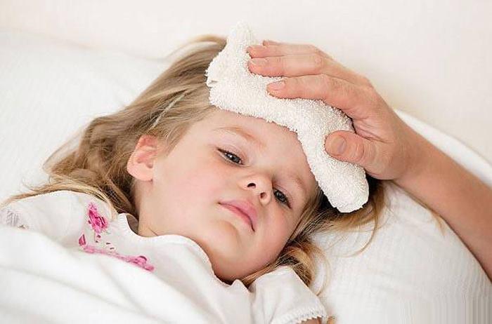 کاهش تب کودک